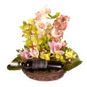 Σύνθεση με ορχιδέες και κρασί