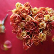 Καρδιά με τριαντάφυλλα