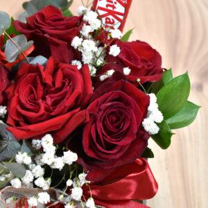 Γυάλα κύβος με τριαντάφυλλα