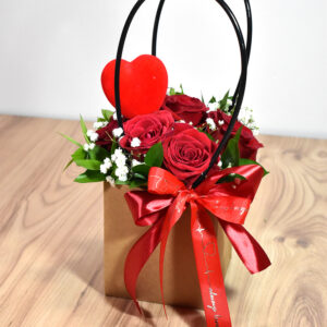 Small bag with red roses