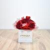 Τετράγωνο κουτί με τριαντάφυλλα