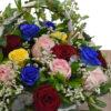 Καλάθι χρωματιστά τριαντάφυλλα