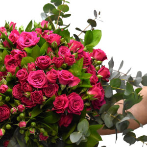 Bouquet with mini dark pink roses